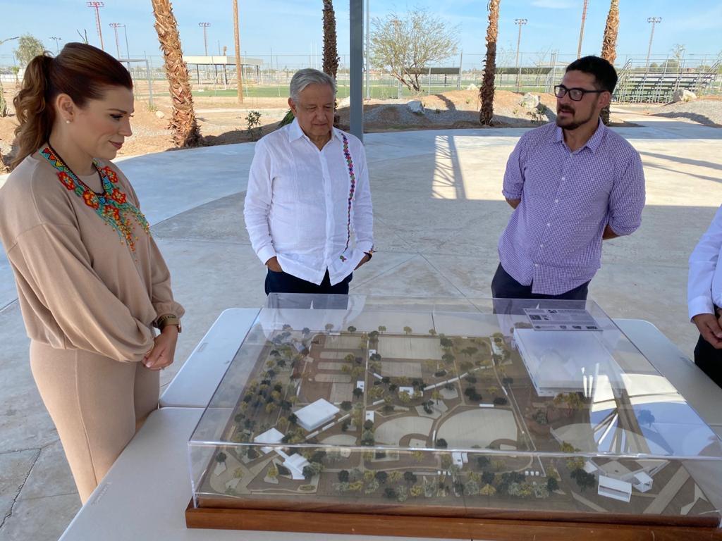 El presidente Andrés Manuel López Obrador supervisa obras de Mejoramiento Urbano en Mexicali.