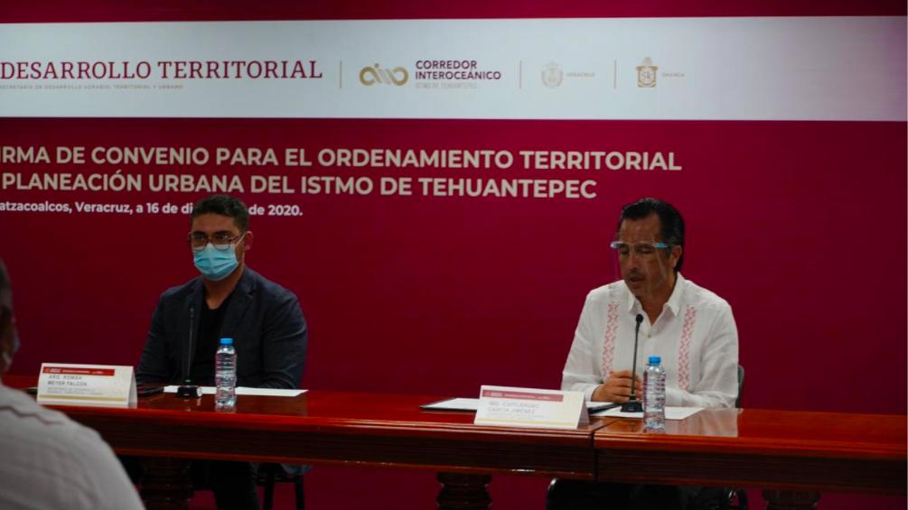 Firman Sedatu y gobiernos de Oaxaca y Veracruz, convenio para ordenamiento territorial y planeación urbana en el Istmo de Tehuantepec