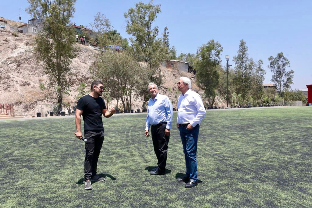 Entrega de obras de mejoramiento urbano en Tijuana